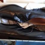 Wiele skórzanych butów